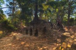 η Καμπότζη συγκεντρώνει siem Ο ναός σύνθετος Angkor Wat, τεμάχια των κτηρίων Στοκ Εικόνες