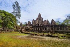 η Καμπότζη συγκεντρώνει siem Το Bayon είναι ένας γνωστός και πλουσιοπάροχα διακοσμημένος Khmer ναός σε Angkor Thom στην Καμπότζη Στοκ Φωτογραφία