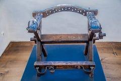Η καρέκλα βασανιστηρίων με τις ακίδες στοκ εικόνες με δικαίωμα ελεύθερης χρήσης