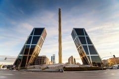 Η Καστίλλη που τετραγωνικό Plaza Καστίλλη είναι καθορίζει νέο τον οικονομικό Στοκ εικόνες με δικαίωμα ελεύθερης χρήσης