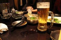 Η κατάσταση μέσα στο εστιατόριο Izakaya, ένα άτυπο ιαπωνικό PU στοκ φωτογραφίες