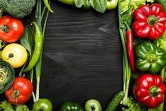 Η κατάταξη των λαχανικών τακτοποίησε στη μορφή πλαισίων, με το διάστημα για το κείμενο ή τη διαφήμιση στοκ εικόνες