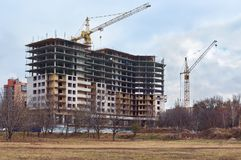 Η κατασκευή των διαμερισμάτων, σπίτι τούβλου Ροστόφ--φορά μέσα Στοκ Φωτογραφίες