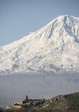 Η καλύτερη άποψη σχετικά με το μοναστήρι Hor Virap με Ararat τοποθετεί στο υπόβαθρο _ Στοκ Φωτογραφίες