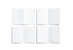 Η κενή άσπρη multi-page a5 χλεύη βιβλιάριων επάνω, αντιμετωπίζει την πίσω πλευρά Στοκ Φωτογραφία