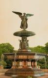 Η κεντρική Νέα Υόρκη πάρκων πηγών Bethesda στοκ εικόνες με δικαίωμα ελεύθερης χρήσης