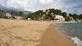 Η κεντρική παραλία Lloret de Mar στην Ισπανία Στοκ φωτογραφία με δικαίωμα ελεύθερης χρήσης