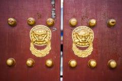 η κινεζική πόρτα χειρίζετα& Στοκ Εικόνες