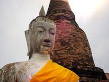 Η κινηματογράφηση σε πρώτο πλάνο προσώπου αγαλμάτων του Βούδα επέλεξε την εστίαση στοκ φωτογραφία με δικαίωμα ελεύθερης χρήσης