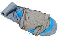 Η κινηματογράφηση σε πρώτο πλάνο ενός υπνόσακου είναι πολύ θερμή για να κοιμηθεί υπαίθρια στοκ φωτογραφίες