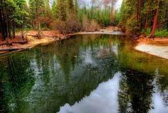 η κοιλάδα ποταμών yosemite Στοκ εικόνες με δικαίωμα ελεύθερης χρήσης