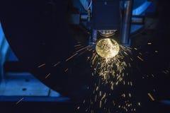 Η κοπή τεμνουσών μηχανών λέιζερ ινών Στοκ Φωτογραφία