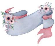 Η κορδέλλα Watercolor με τις floral ανθοδέσμες δίνει το συρμένο έμβλημα Στοκ φωτογραφία με δικαίωμα ελεύθερης χρήσης