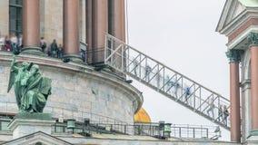 Η κορυφή του καθεδρικού ναού Αγίου Isaac timelapse στην Άγιος-Πετρούπολη, Ρωσία απόθεμα βίντεο