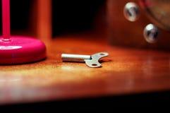 Η κορώνα Το κλειδί για το εργοστάσιο ρολογιών Κλειδί νεράιδων στοκ εικόνα