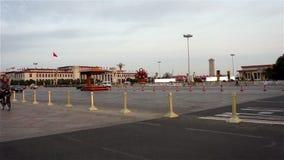 Η κυκλοφορία και τα κτήρια στο πλατεία Tiananmen φιλμ μικρού μήκους