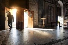 Η κυρία είσοδος της εκκλησίας του Al Monte SAN Miniato, στη Flor στοκ εικόνες