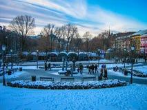 Η Κυριακή χαλαρώνει στο πάρκο Στοκ εικόνες με δικαίωμα ελεύθερης χρήσης