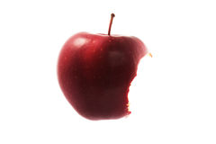 Η κόκκινη δαγκωμένη Apple που απομονώνεται Στοκ Φωτογραφία