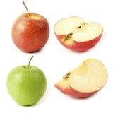 Η κόκκινη και πράσινη Apple με τις φέτες στο άσπρο υπόβαθρο Στοκ Φωτογραφίες