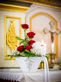Η κόκκινη νυφική ανθοδέσμη τριαντάφυλλων Στοκ Εικόνες