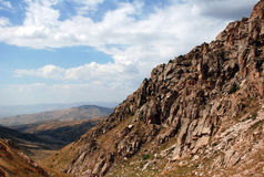 Η κλίση των βουνών της δυτικής Τιέν Σαν στο Ουζμπεκιστάν στοκ φωτογραφίες με δικαίωμα ελεύθερης χρήσης