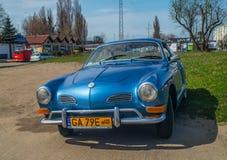 Η κλασική γερμανική VW Karmann Ghia που σταθμεύουν Στοκ εικόνες με δικαίωμα ελεύθερης χρήσης