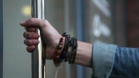 Η κλειδωμένη πόρτα απόθεμα βίντεο