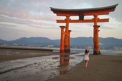 Η λάρνακα Itsukushima Miyajima, διάσημο ορόσημο στη Χιροσίμα, Ιαπωνία Στοκ φωτογραφία με δικαίωμα ελεύθερης χρήσης