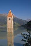η λίμνη εκκλησιών ο πύργος Στοκ εικόνα με δικαίωμα ελεύθερης χρήσης