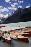 η λίμνη κανό Στοκ εικόνες με δικαίωμα ελεύθερης χρήσης