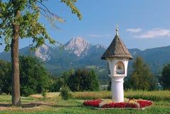 η λίμνη carinthia της Αυστρίας faaker βλέπει Στοκ Εικόνες
