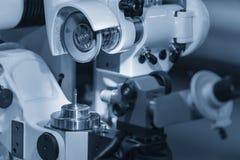 Η λειτουργία του εργαλείου που κατασκευάζει τη μηχανή στοκ εικόνα με δικαίωμα ελεύθερης χρήσης