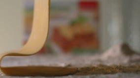 Η λεπτή κυλημένη ζύμη αφορά τον πίνακα με το αλεύρι Lasagna r Φάντασμα καμερών ευκίνητο φιλμ μικρού μήκους