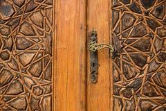 Η λεπτομέρεια μιας πόρτας με τις αραβικές διακοσμήσεις στο παλάτι Beit Bachir Chahabi εμίρηδων ed-δειπνεί στο υποστήριγμα Λίβανος Στοκ Φωτογραφία