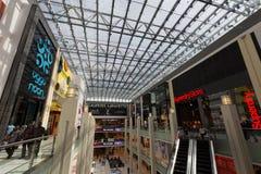 Η λεωφόρος του Ντουμπάι στο Ντουμπάι, Ηνωμένα Αραβικά Εμιράτα Στοκ Εικόνες