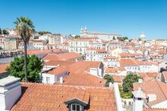 Η Λισσαβώνα όπως βλέπει από το Miradouro DAS Portas κάνει το κολλοειδές διάλυμα στη Λισσαβώνα, Πορτογαλία Στοκ φωτογραφία με δικαίωμα ελεύθερης χρήσης