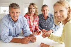 Η μέση ηλικία συνδέει στο σπίτι τη διαμόρφωση αργίλου στοκ εικόνες