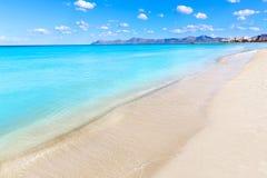 Η Μαγιόρκα μπορεί παραλία Picafort στον κόλπο Majorca alcudia Στοκ εικόνες με δικαίωμα ελεύθερης χρήσης