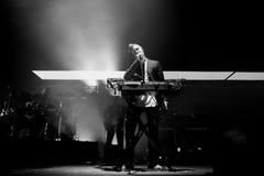 Η μαζική επίθεση (αγγλική μουσική ομάδα) αποδίδει στο φεστιβάλ σόναρ Στοκ Εικόνα