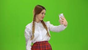 Η μαθήτρια κάνει ένα selfie πράσινη οθόνη απόθεμα βίντεο