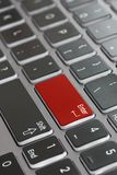 Η μακρο στενή επάνω εξασθένιση πληκτρολογίων lap-top εισάγει το κόκκινο στοκ φωτογραφίες με δικαίωμα ελεύθερης χρήσης