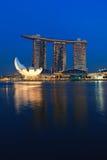 η μαρίνα ξενοδοχείων χαρτοπαικτικών λεσχών κόλπων στρώνει με άμμο Σινγκαπούρη στοκ εικόνα με δικαίωμα ελεύθερης χρήσης