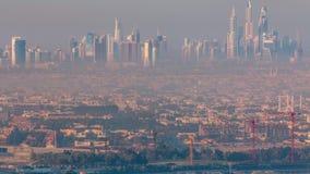 Η μαρίνα του Ντουμπάι και η παραλία Jumeirah κατά τη διάρκεια της ανατολής με τα ξημερώματα θολώνουν timelapse στο Ντουμπάι, Ηνωμ απόθεμα βίντεο