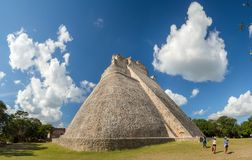 Η μεγάλη πυραμίδα του μάγου στη archeological περιοχή Uxmal, touri Στοκ φωτογραφία με δικαίωμα ελεύθερης χρήσης