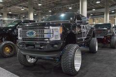 Η μεγάλη συνήθεια φορτηγών της Ford στην επίδειξη κατά τη διάρκεια του Λα αυτόματου παρουσιάζει στοκ φωτογραφίες
