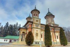Η μεγάλη εκκλησία στο μοναστήρι Sinaia, Ρουμανία Στοκ Φωτογραφία