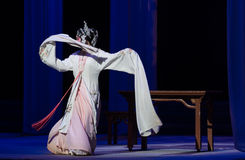"""Η μεθυσμένος-τρίτη πράξη αρσενικό κίτρινο κρασί-Kunqu Opera""""Madame άσπρο Snake† Στοκ Φωτογραφία"""