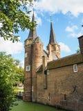 Η μεσαιωνική ανατολική πύλη Oostpoort στο Ντελφτ που ενσωματώθηκε Στοκ εικόνα με δικαίωμα ελεύθερης χρήσης