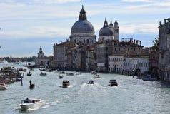 Η μετακίνηση στο κανάλι Βενετία στοκ φωτογραφία
